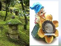 Садовая фигура гном светильник на солнечной батарее с выключателем Гном с цветком Lemanso