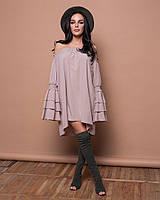 Платье с открытыми плечами и оборками, фото 1