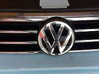 Решітка радіатора для Volkswagen Passat B8.