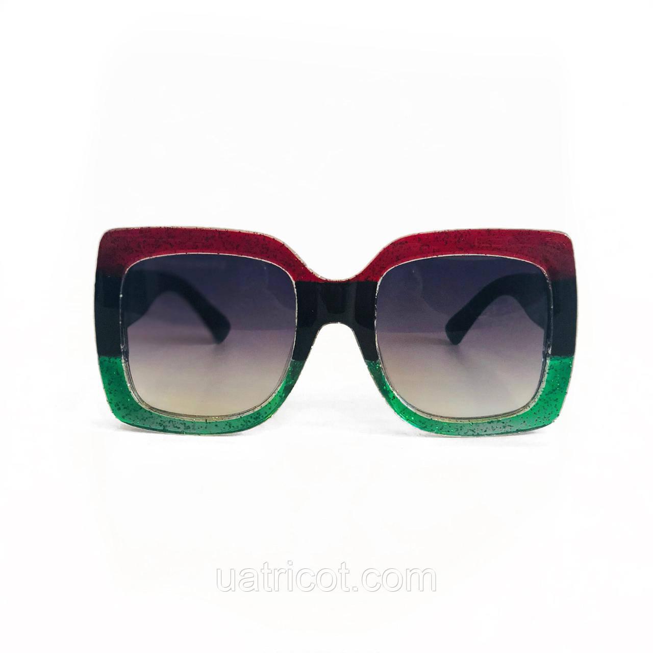 Женские квадратные солнцезащитные очки Oversize в зелёной оправе