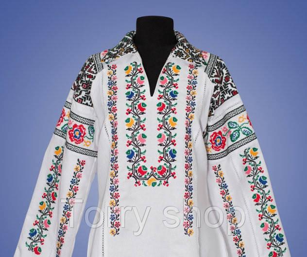 Вышитая женская блуза на домотканном полотне