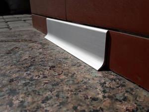 Плінтус алюмінієвий 40мм / анод L-3.0 мп