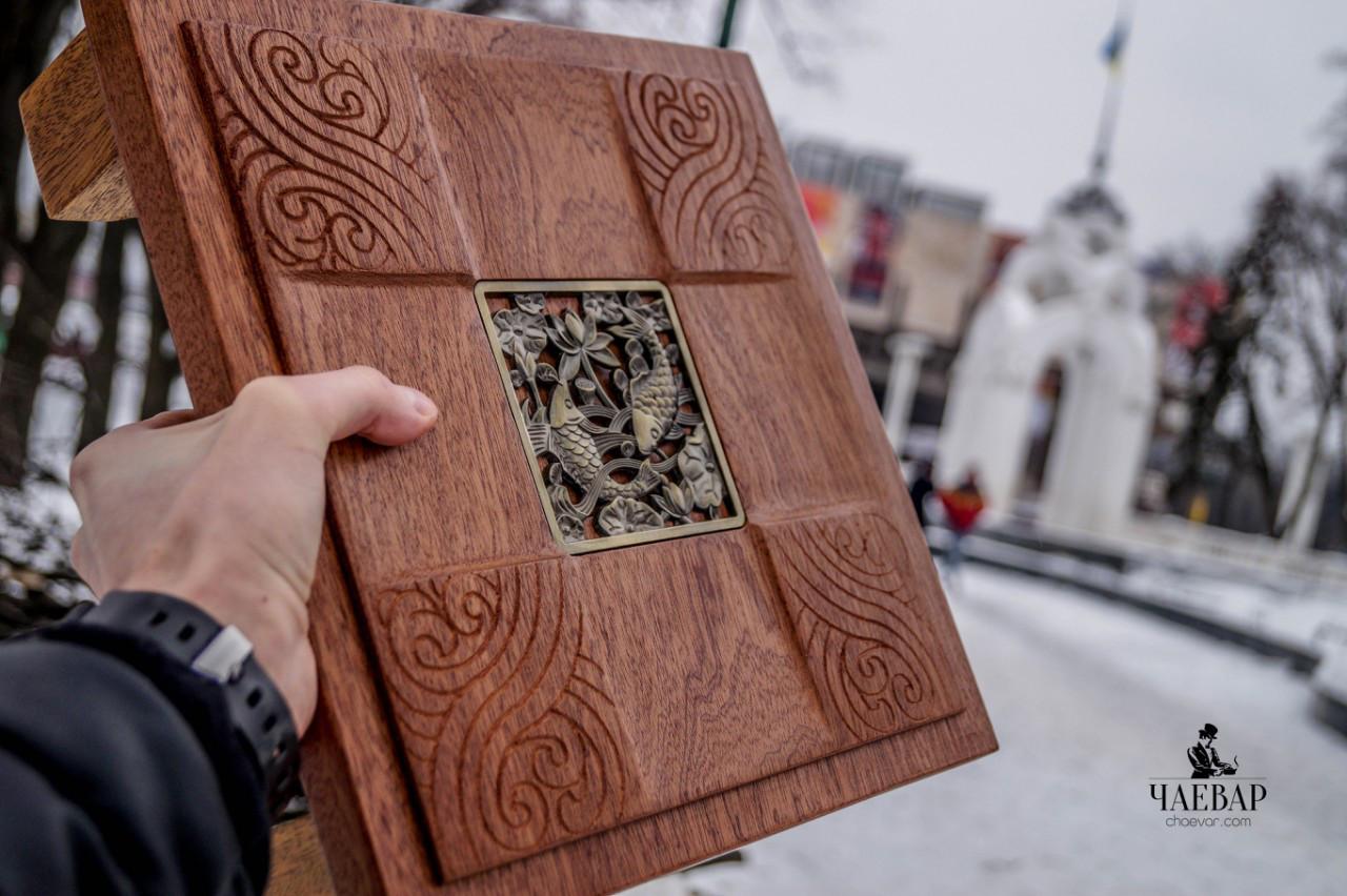 Чайный стол Два дерева - Дуо Санто, красное дерево 30*30см, Чабань для церемонии Гунфу Ча