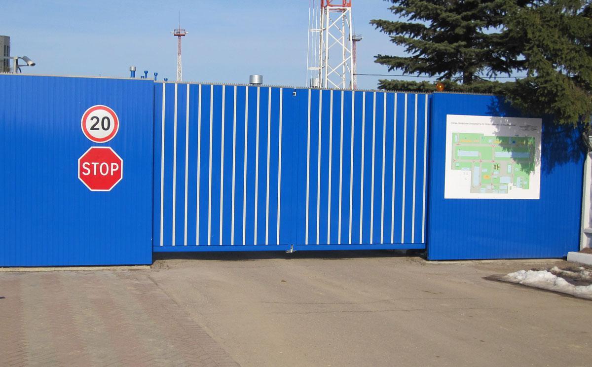 Распашные ворота Alutech ADS400 2000x2200 заполнение профилем роликовой прокатки AG/77