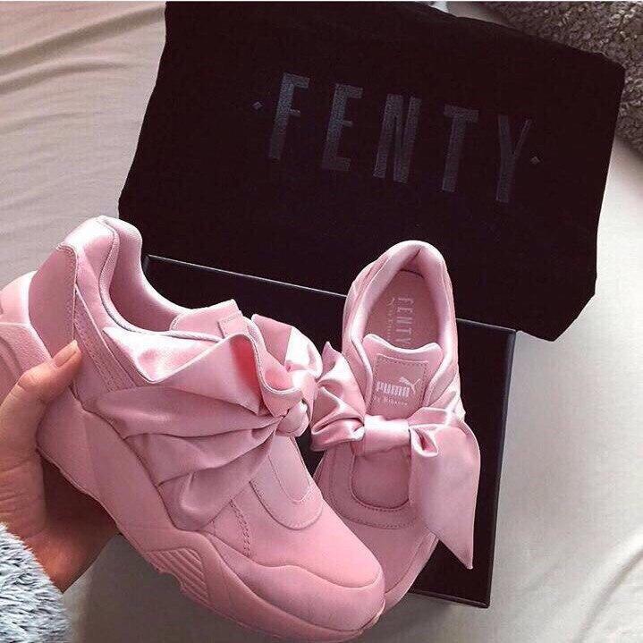 0b01f2ec7ed7 Кроссовки женские атласные Puma Fenty by Rihanna Bow розовые пума фенти  рианна с бантом