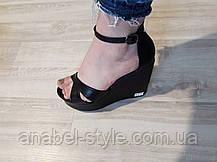 Босоножки кожаные с открытым носочком черного цвета на танкетке + ремешок Код 1535, фото 2