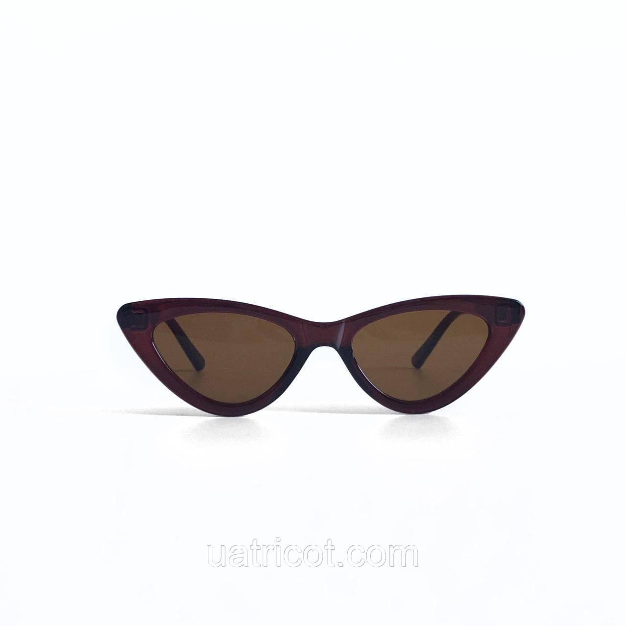 Женские солнцезащитные очки лисички Vogue в коричневой оправе