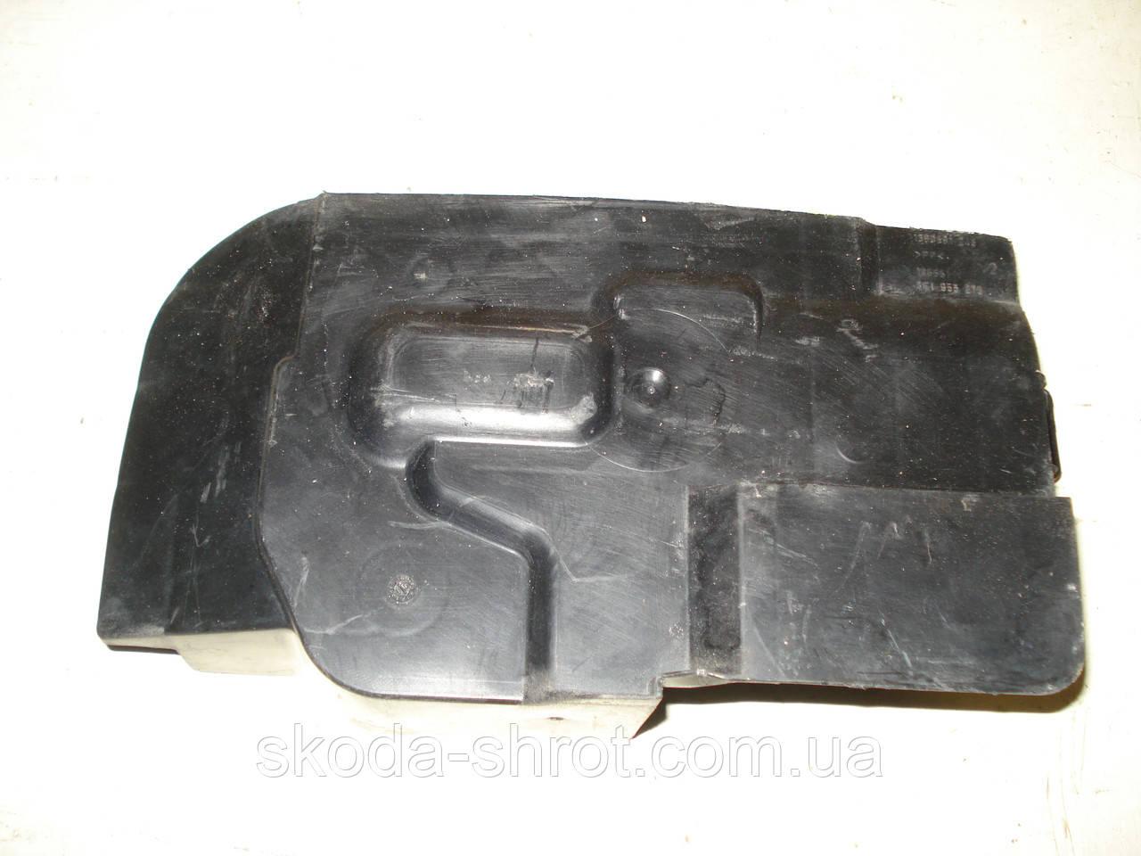 3C1 998 275 пластик на мотор трапеции Пассат Б-6