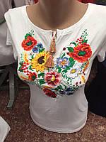 Вышиванка женская  с красивым цветочным узором