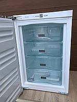 Морозильная камера встройка Miele F 32202
