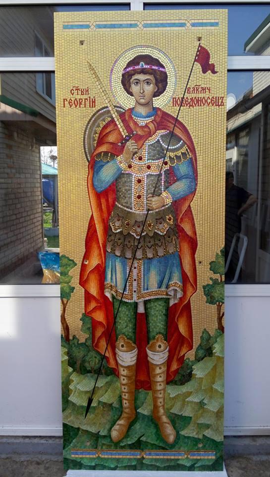 Икона Георгия Победоносца на стенах храма