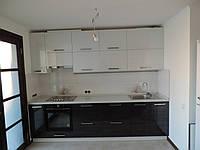Кухня современная с глянцевыми фасадами, фото 1