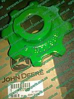 Звездочка H177988 колосового элеватора H128576 John Deere SPROCKET TAILINGS ELEVATOR з/ч звездочки Н177988, фото 1