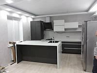 Кухня современная черно-белая матовая, фото 1