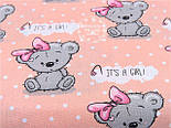 """Лоскут ткани №1149а  """"Мишки Girl с малиновым бантиком"""" на персиковом фоне , фото 2"""