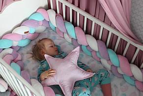 Защитный бортик-коса в детскую кроватку (цвет на выбор)
