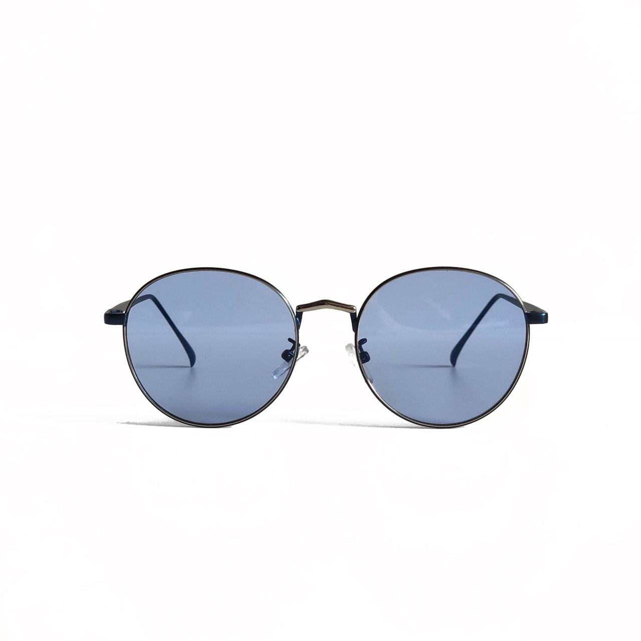 Женские круглые солнцезащитные очки в синей оправе с голубыми линзами