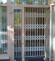Раздвижная решетка на дверь Шир.2400*Выс2690мм для дома