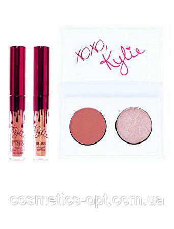 Дует KYLIE Kiss Me Mini Kit (2 теней + 2 помады) (реплика)