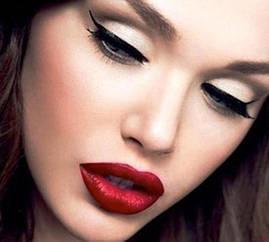 Вечерний макияж глаз с красной помадой - что нужно для идеального макияжа!