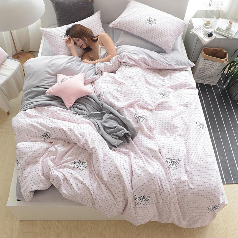 Розовый комплект постельного белья с бантиками (двуспальный-евро)
