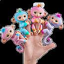 Интерактивная обезьянка Fingerlings двухцветная, фото 2
