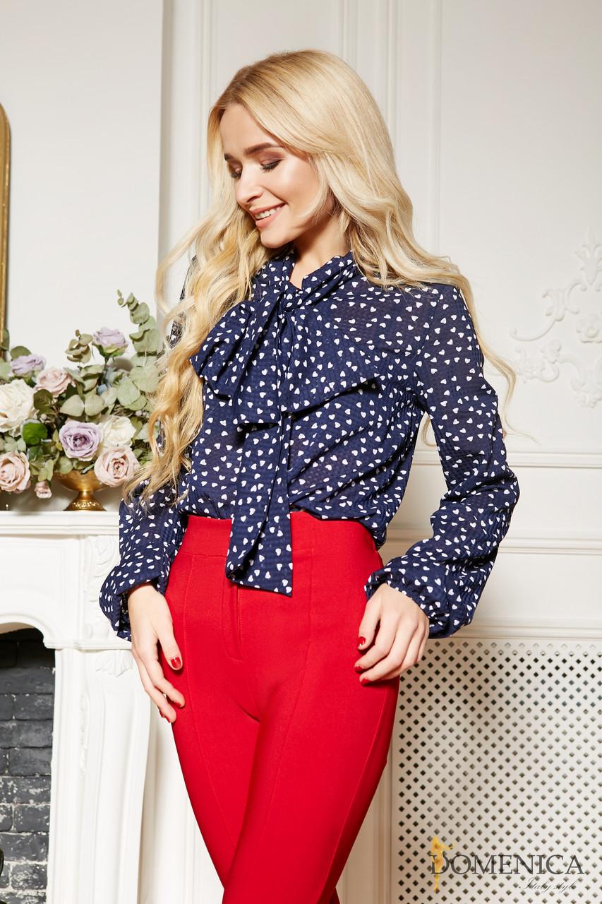 48079c8b529 Шифоновая блуза с воротником аскот (стиль 70-х) синяя с белыми сердечками -