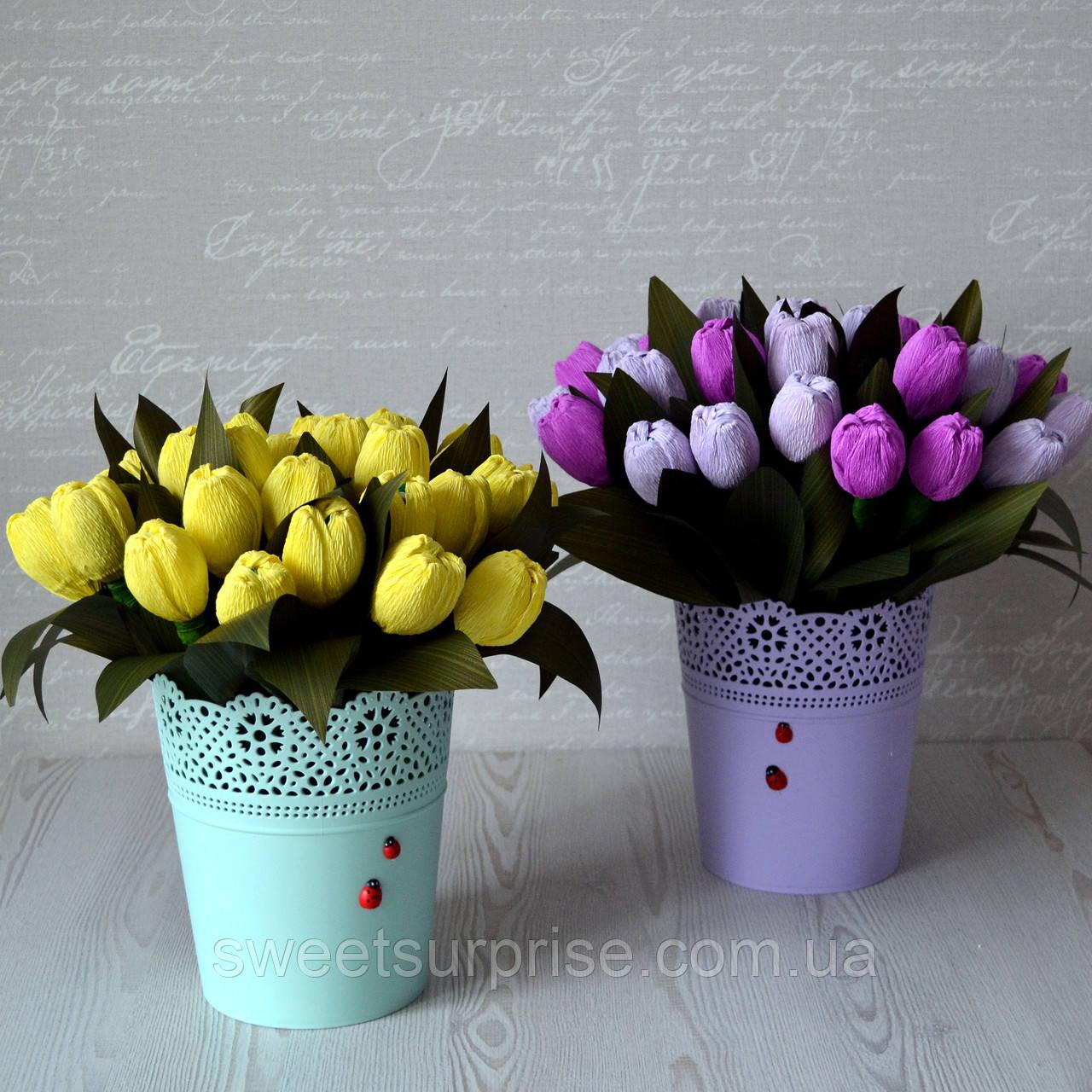 """Кошик з квітами з цукерок """"Тюльпани"""""""