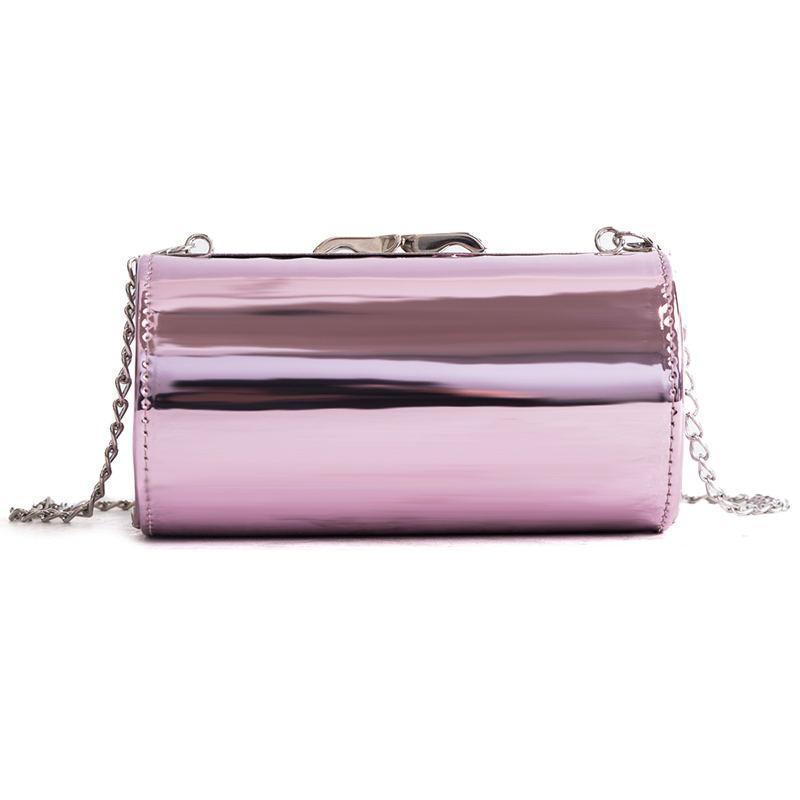 Розовая лаковая сумка кроссбоди