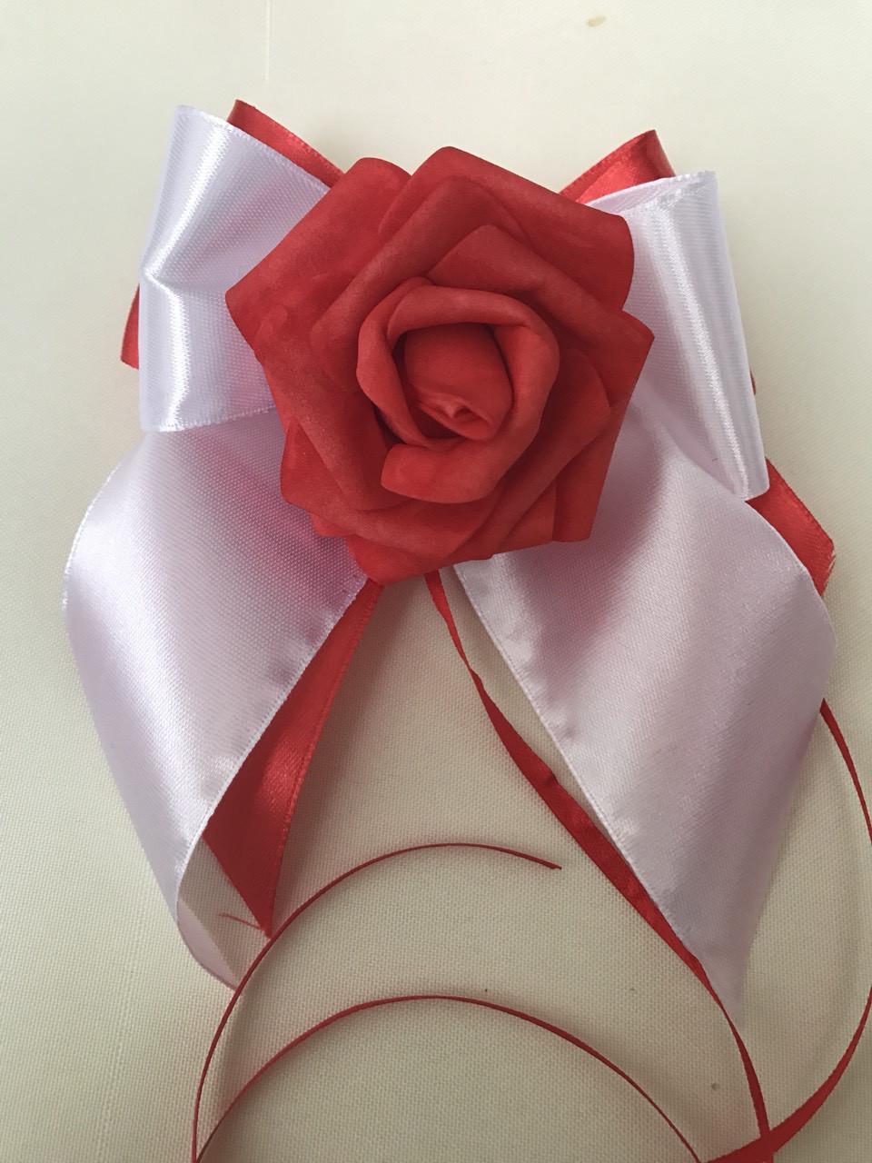 Украшение на ручку свадебной машины роза красная