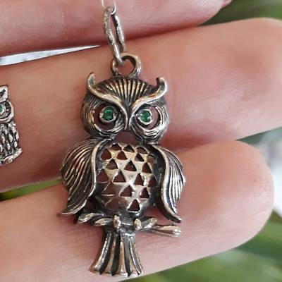 Серебряная подвеска Сова Филин с зелеными глазами
