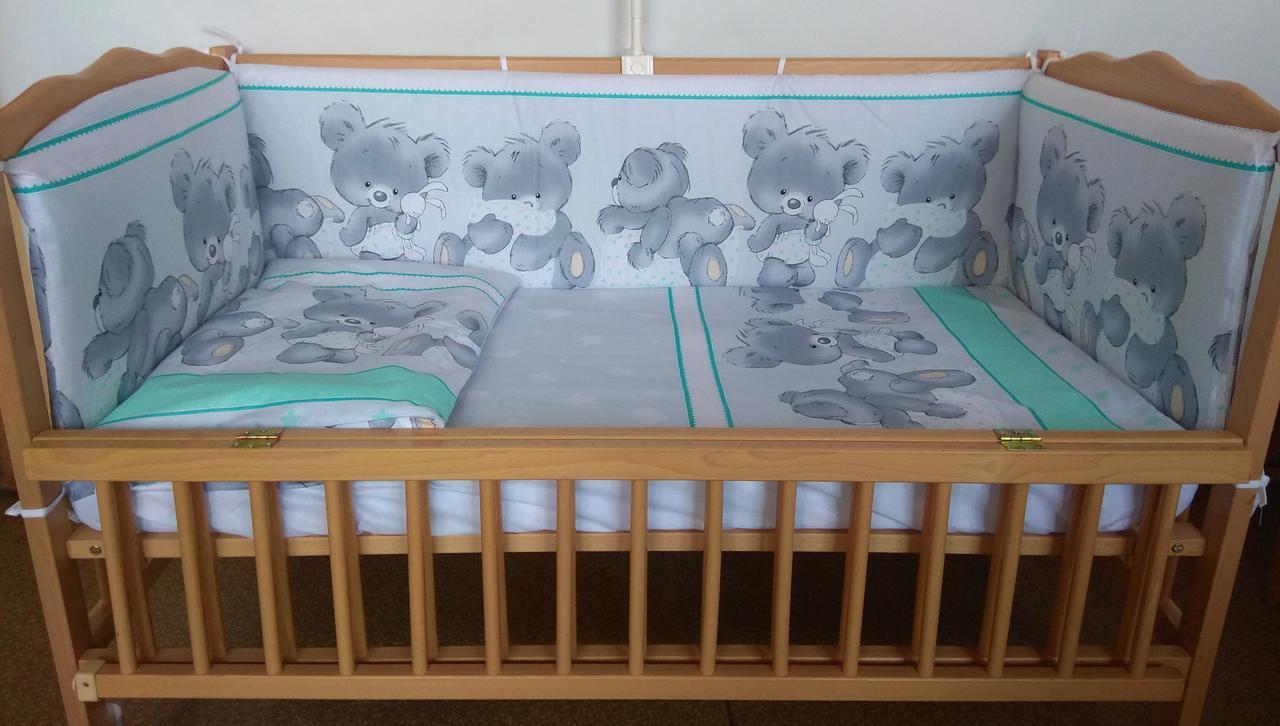 Набор постельного белья в детскую кроватку из 4 предметов Мишка с подушкой серозеленый