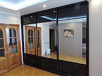 Шкаф-купе на заказ чёрный глянец с зеркалом, фото 1