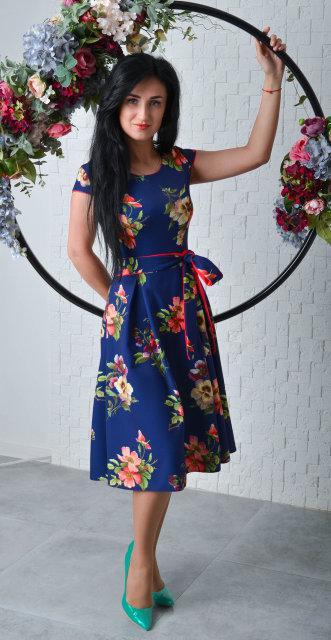 51422a3771ca Женское платье из костюмного крепа