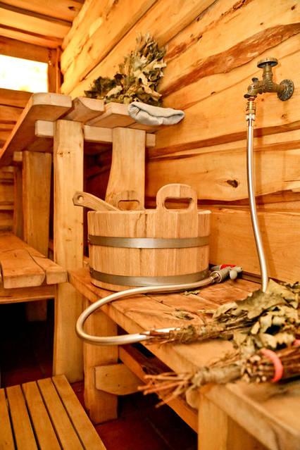 Монтаж бани под ключ (каркас, утепление, внутренняя отделка доской, топка, вентиляция).