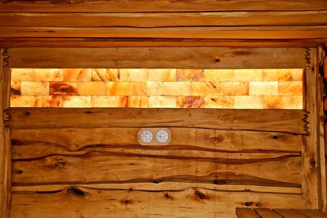 Панель из гималайской соли с подсветкой.