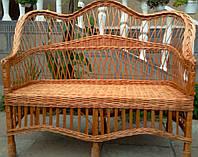 Плетеный диван для дачи