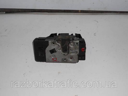 Электрозамок здвижной двери левой на Renault Trafic, Opel Vivaro, Nissan Primastar