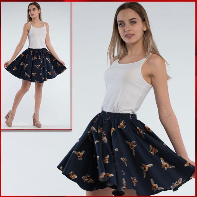 Летняя юбка клеш из сатина темно-синего цвета с рисунком Пчелка