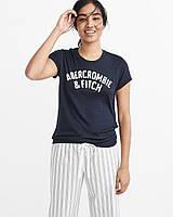 Женская темно-синяя футболка с принтом Abercrombie & Fitch, фото 1