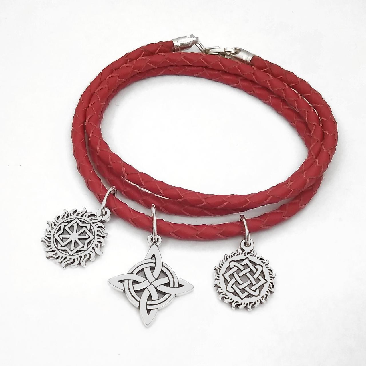 Шкіряний браслет-оберіг з срібними підвісками