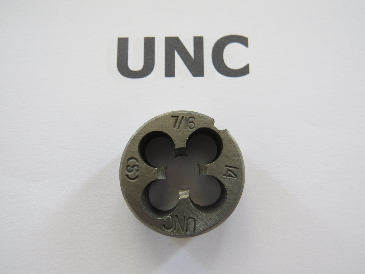 Плашка дюймовая UNC 7\16 14 ниток на дюйм