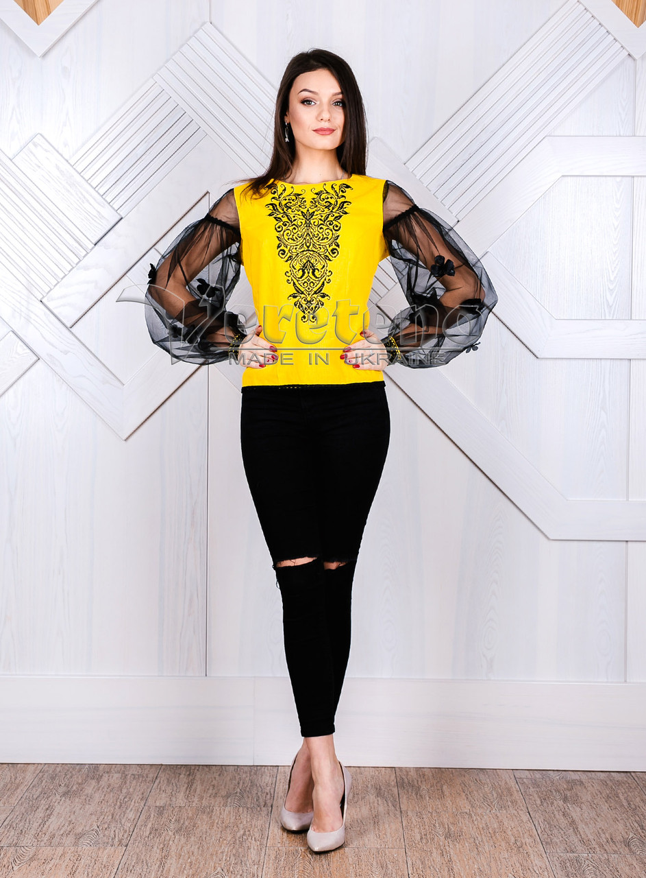 ad34f9df517 Жіноча вишиванка з жовтого льону і однотонною чорною вишивкою ...