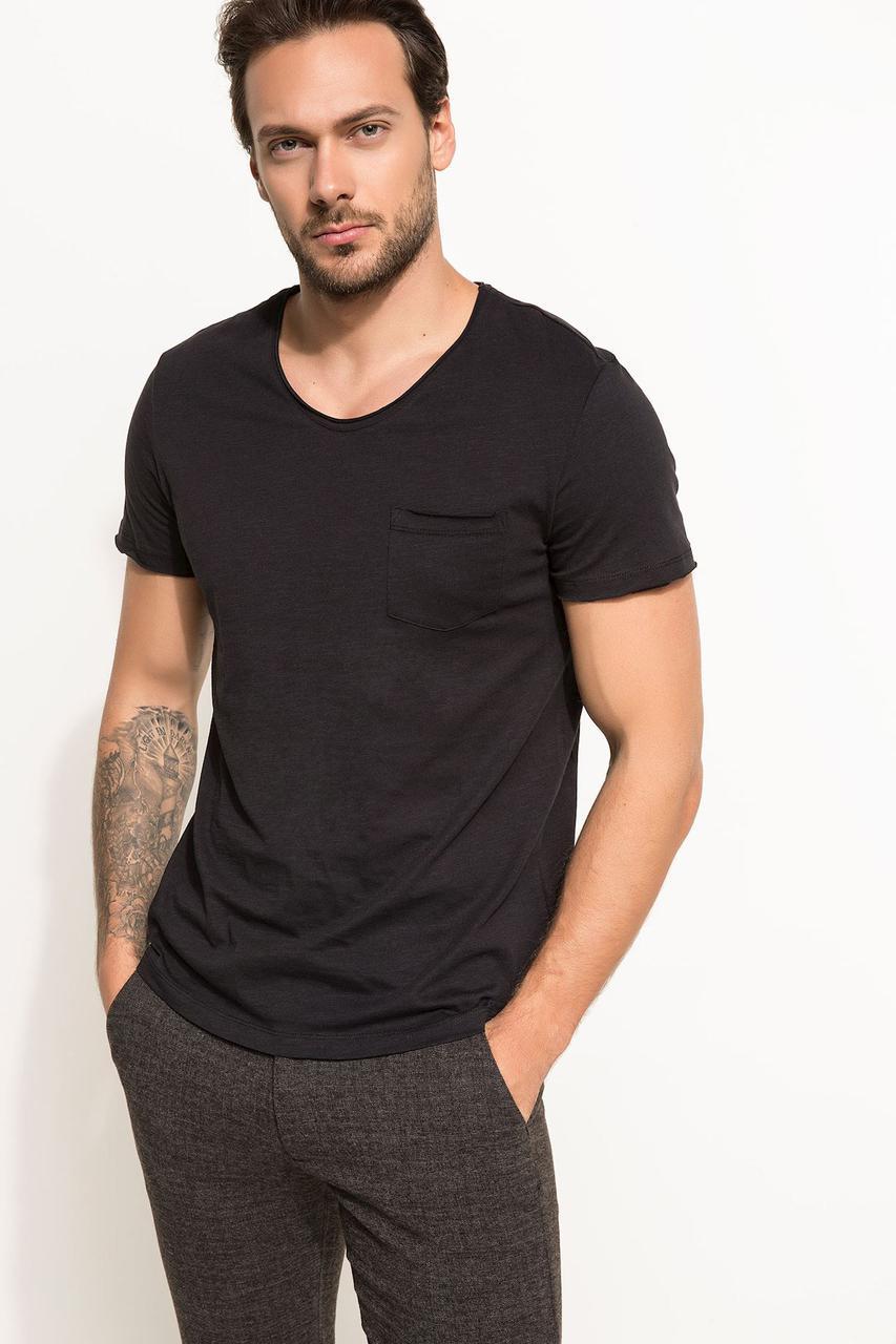 Черная мужская футболка De Facto / Де Факто с карманом на груди