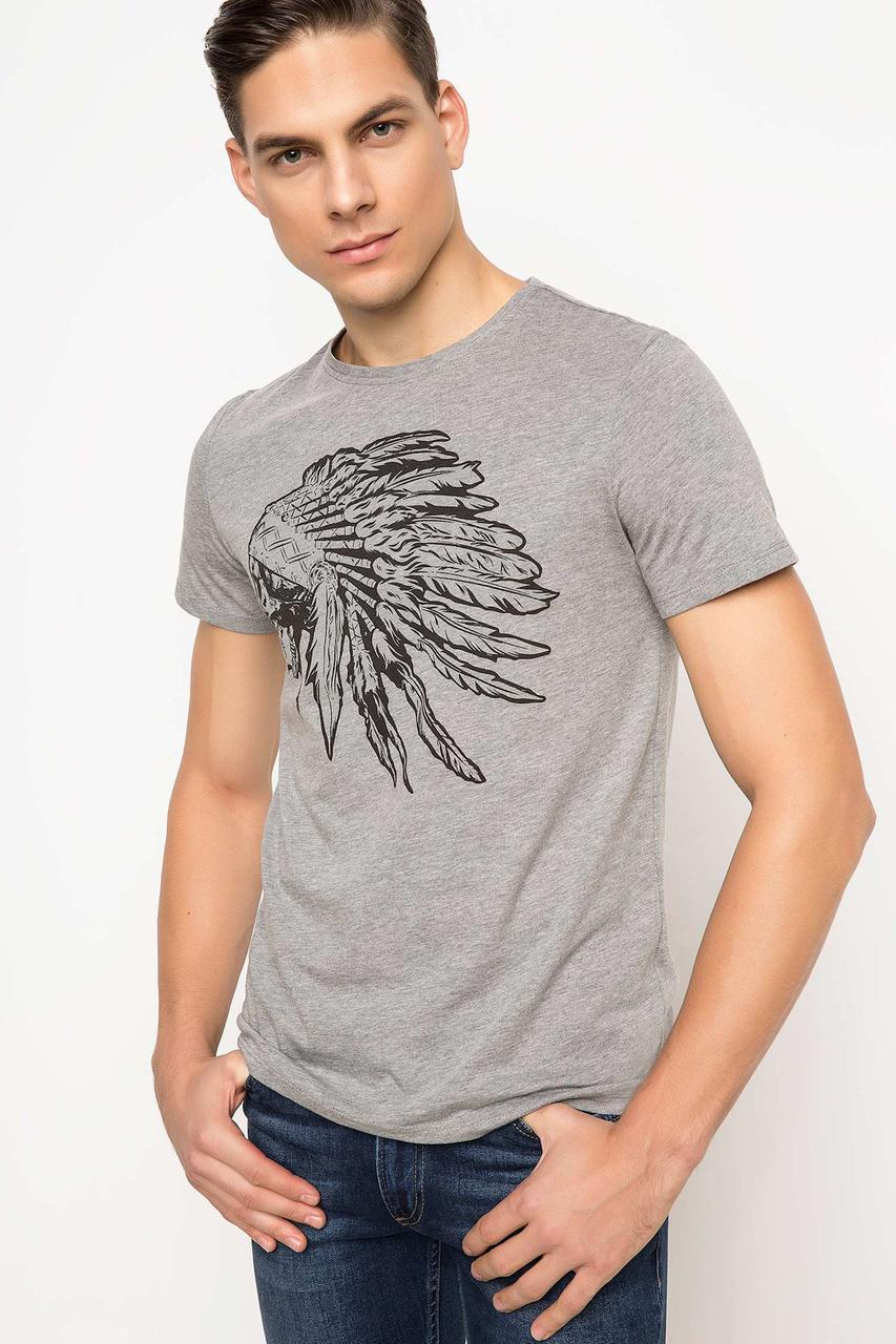 Серая мужская футболка De Facto / Де Факто с индейцем на груди