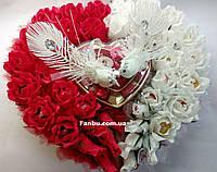 """Большое конфетное сердце из 39 роз с парой голубей""""Свадебное сердца"""", фото 1"""