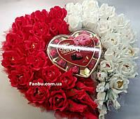 """Конфетный букет в виде сердца из 39 роз""""Пламенное сердца"""""""