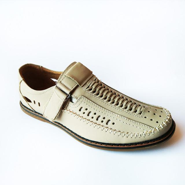 Повседневная кожаная дешевая мужская обувь из Китая летние сандалии, бежевого цвета, в дырочку на липучке для мужчин в возрасте