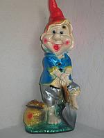 Фигурка декоративная Гном с лопатой 55 см