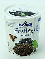 Лакомство с фруктами Bosch (Бош)  Fruitees  чёрная смородина для собак  0,2 кг